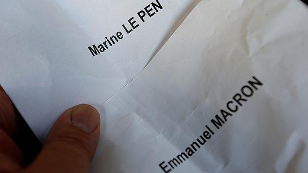 Macron és Le Pen: tűz és víz között választhatnak a franciák
