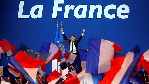 """União Europeia """"espera"""" pela vitória final de Macron em França"""