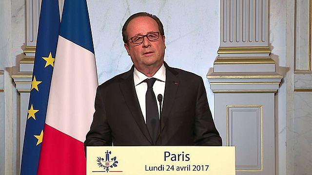 Франсуа Олланд голосует за Эмманюэля Макрона