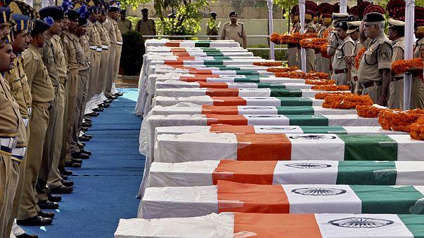 Indian Maoist guerrillas massacre 26 police officers