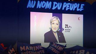 Visszalépett pártja vezetésétől Marine Le Pen
