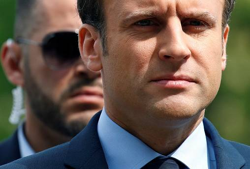 Defeated French Socialists and Republicans urge votes for Macron