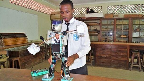 Tanzanian high school student builds solar-powered robot