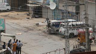 مقتل 10 أشخاص على الأقل في انفجار عبوة ناسفة بباكستان