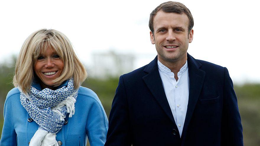 Sie trotzen den Fakenews: Emmanuel Macron (39) und seine Frau Brigitte (64)