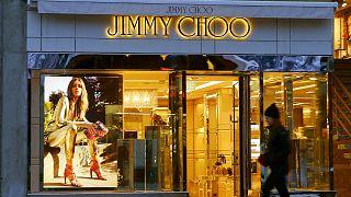 Οι Γερμανοί πουλάνε τα Jimmy Choo. Γιατί;