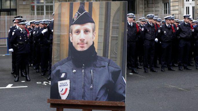 بمراسم وطنية...فرنسا تكرم الشرطي المغتال في جادة الشانزلزيه