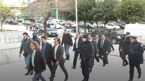 Tribunal grego recusa extraditar três militares turcos