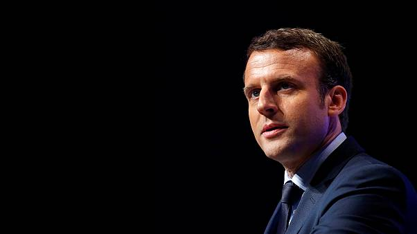 Macron campaign targeted by 'Russian hackers'