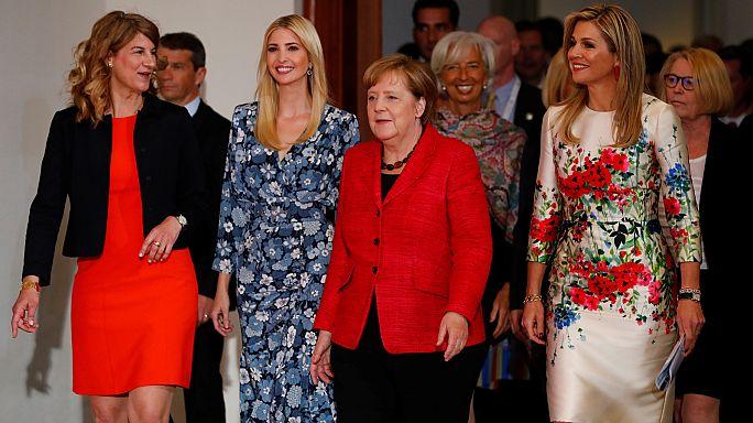 Ivanka Trump defiende a su padre en la cumbre Woman20 en Berlín
