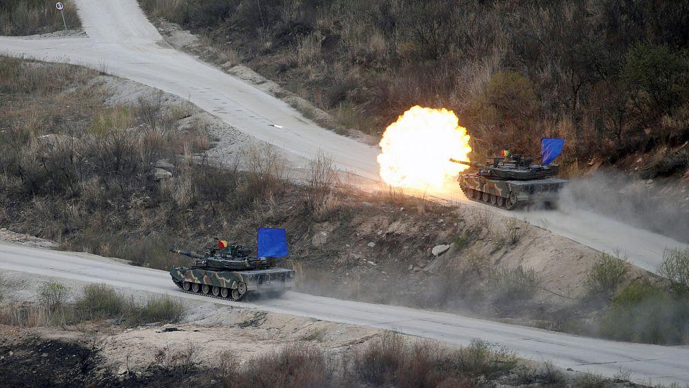 Friss hírek: Háborús hisztéria a Koreai-félszigeten.