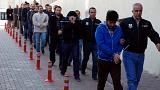 """""""Rede de imãs infiltrados"""": Detenções massivas na Turquia"""