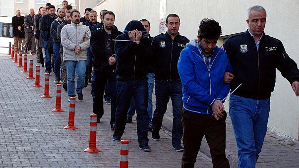 Großrazzia gegen Gülen-Anhänger bei Polizei: Mehr als 1000 Festnahmen