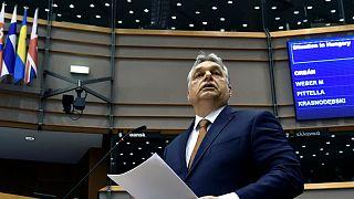 فيكتور أوربان يدافع عن قرارات حكومته أمام البرلمان الأوروبي
