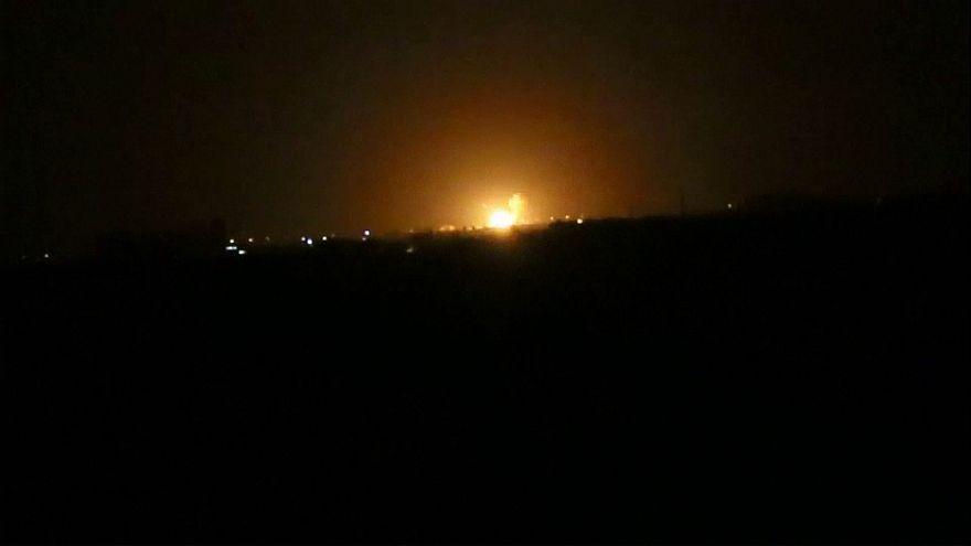 """Мощный взрыв около аэропорта Дамаска на складе """"Хезболлах"""""""
