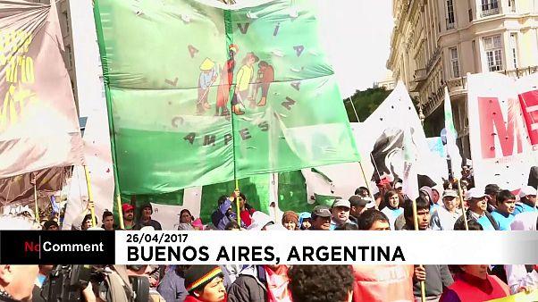 Αργεντινή: Στους δρόμους οι αγρότες μικρών παραγωγικών μονάδων