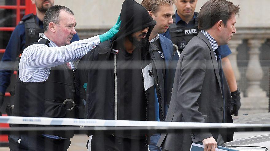 اعتقال شخص يحمل سكاكين في وسط العاصمة البريطانية