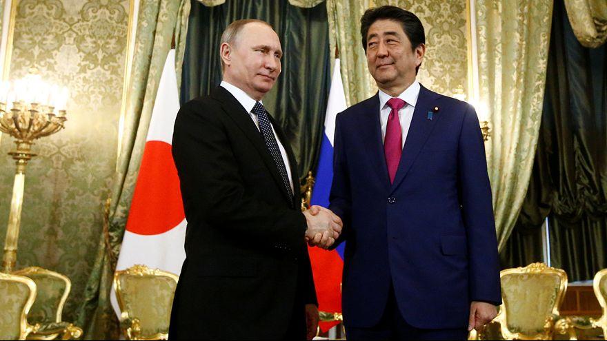 Giappone-Russia, il presidente Putin riceve Abe