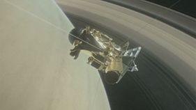 """Зонд """"Кассіні"""" занурився у кільця Сатурна"""