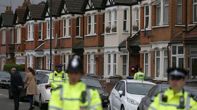 بريطانيا: إصابة إمراة واعتقال أربعة أشخاص في عملية لمكافحة الارهاب