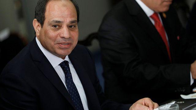 حديث السيسي عن ترك منصب الرئاسة يشعل حرب التغريدات في مصر