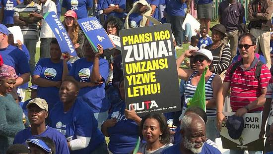 South Africa: Fresh protest against President Zuma on Freedom Day [no comment]