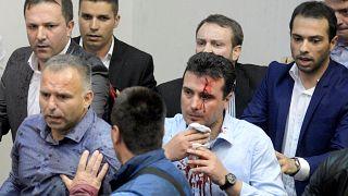 محتجون يقتحمون برلمان مقدونيا بعد انتخاب رئيس للبرلمان من أصل ألباني