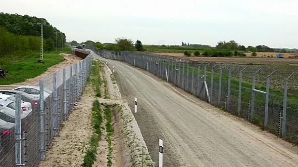 Hungary completes new anti-migrant border fence with Serbia