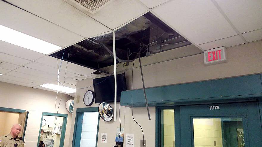 Inmate's escape attempt is foiled by ceiling collapse, video shows