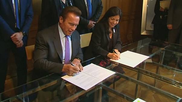 'Terminator' Schwarzenegger signs green pact with Paris mayor
