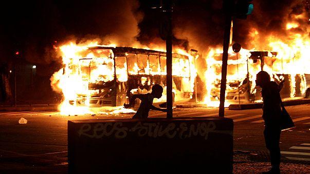 Genel greve giden Brezilya savaş alanına döndü