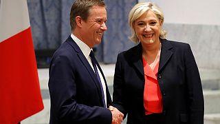 Η Λε Πεν ανακοίνωσε ότι αν εκλεγεί θα διορίσει πρωθυπουργό τον ευρωσκεπτικιστή Ντιπόν-Ενιάν