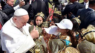 البابا يترأس قداساً في إستاد الدفاع الجوي في القاهرة