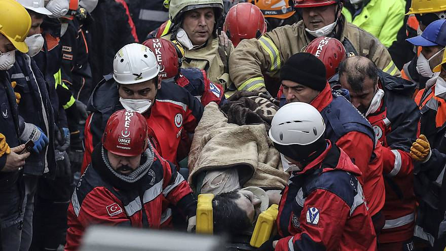 Image: Istanbul building collapse