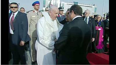 Pope Francis leaves Egypt after two-day visit