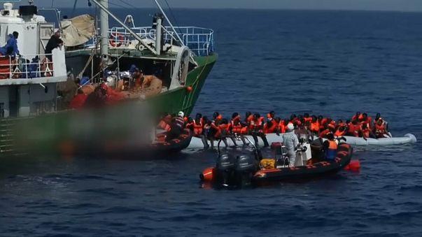 إيطاليا: اتهام بعض المنظمات غير الحكومية بالتواطؤ مع عصابات تهريب المهاجرين