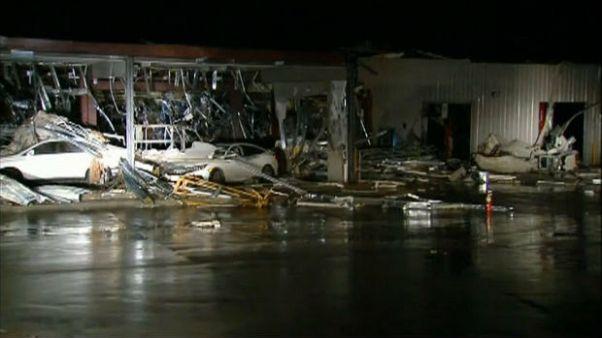 توفان و گردباد در ایالت تگزاس خسارت و تلفات برجای گذاشت
