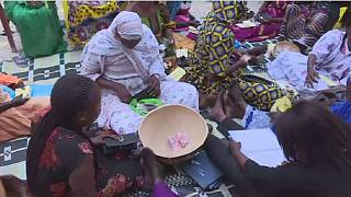 Traditional micro-credit scheme helps Senegalese women do business