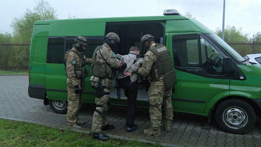 Guardas fronteiriços polacos detêm austríaco suspeito de crimes de guerra na Ucrânia