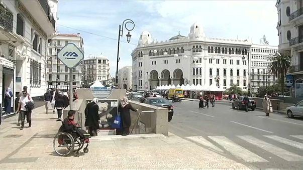 إنتهاء حملة الانتخابات التشريعية بالجزائر وسط دعوات للمقاطعة
