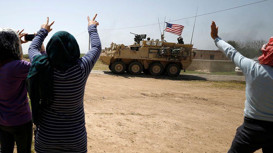 """قوات سوريا الديمقراطية تستعيد مدينة """"الطبقة"""" السورية من قبضة داعش"""
