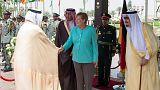 آنگلا مرکل از عربستان سعودی خواست تا بمباران یمن را متوقف کند