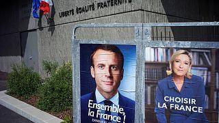 Presidenciais França: Macron e Le Pen tentam seduzir eleitorado indeciso