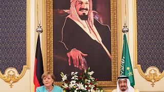 Arabia Saudí: Merkel pide el respeto de los derechos humanos a la vez que hace negocios