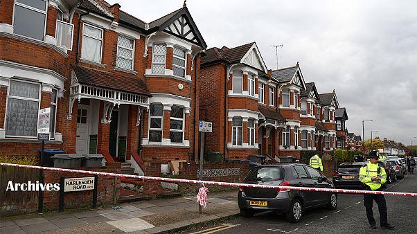 پلیس بریتانیا سه زن جوان را به اتهام معاونت در عملیات تروریستی بازداشت کرد