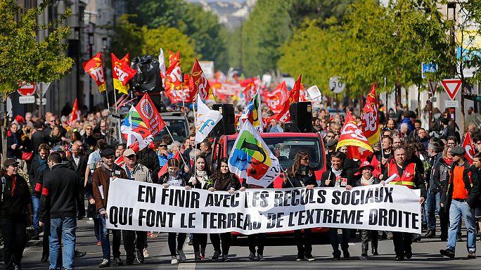 A francia szakszervezetek Marine Le Pen ellen vonultak fel május 1-jén