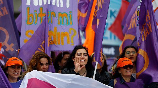 Turquia: Centenas de detenções em manifestações no Dia do Trabalhador