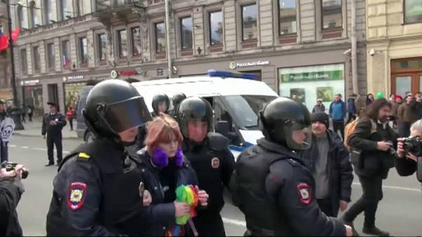 روسيا: اعتقال ناشطين احتجوا على اضطهاد المثليين في الشيشان