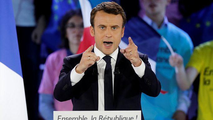 """Франция: Макрон и Ле Пен обменялись """"любезностями"""""""