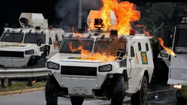 المعارضة الفنزويلية ترفض دعوة الرئيس مادورو لصياغة دستور جديد